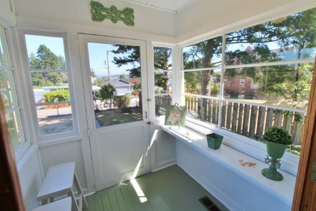 Sun porch on the front