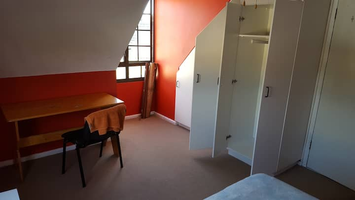 Single room in West Beach