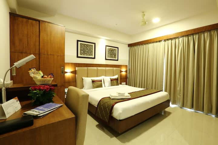 Perfect Business Stay at Siesta Andheri