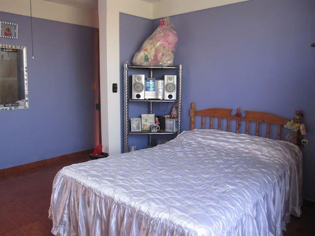 Dos habitaciones cama matrimonial - Santa Maria Acolman - Casa