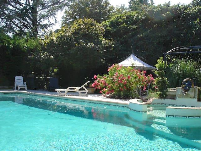 Appartement dans villa provencale - Pont-Saint-Esprit - Lägenhet