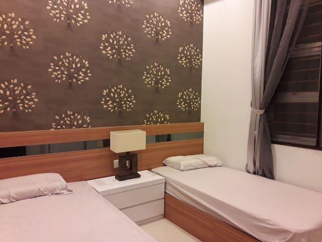 Comfort Room @ Seri Alam FREE WIFI