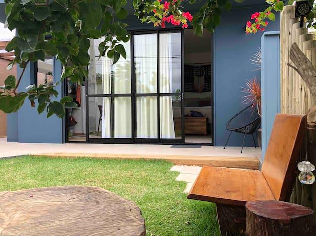 Nova Suíte Jardim à três quadras da Praia!!