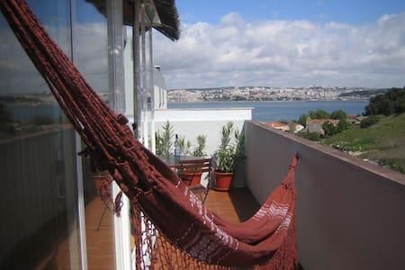 Trafaria Terrasse    Lisbon/Apartment - Trafaria - Huoneisto