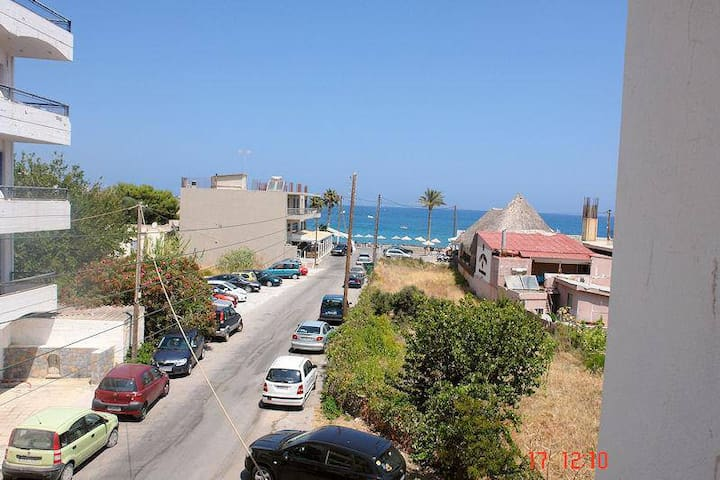 the best location in Hersonissos!!! - Heraklion - Apartamento
