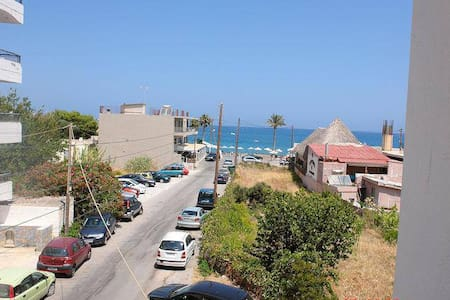 the best location in Hersonissos!!! - Heraklion - Byt