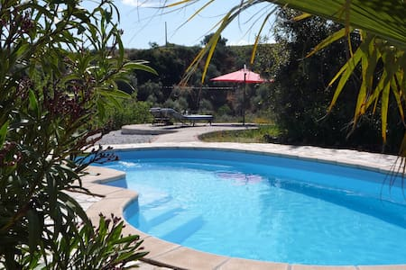 Mountain Studio, pool, wifi, Eng TV - Sedella - Appartement