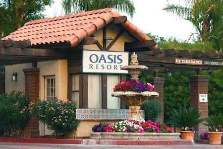 Memorial Day Weekend Villa at The Oasis Resort - Palm Springs - Villa