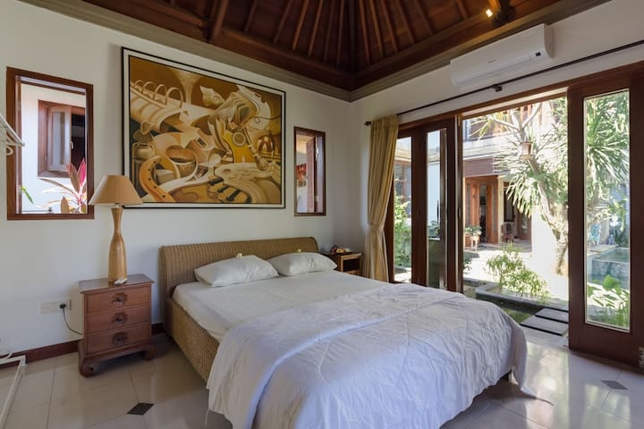 Guest Bungalow - 300m from the sea -Berawa, Canggu
