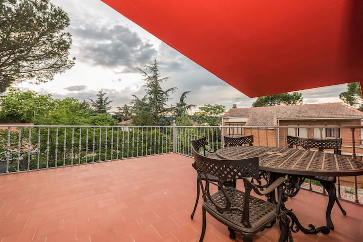 The Red Home|35 minutes from MADRID - Collado Villalba