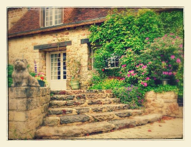 PEACEFUL & TRANQUIL BEDROOM - Bagnoles de L'Orne - Bed & Breakfast