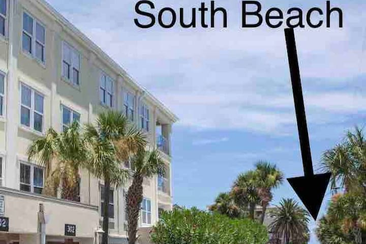 Ocean~Heated Pool~Huge Condo~South Beach~Pier 3/2