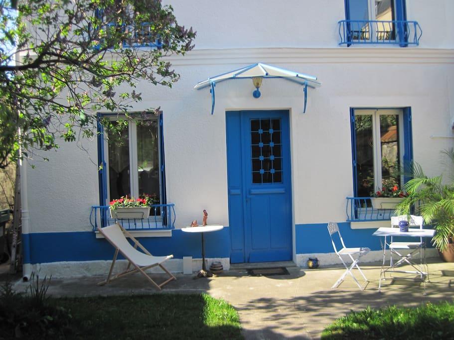 Chambre petit d jeuner et jardin chambres d 39 h tes for Jardin a louer ile de france