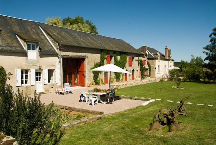 Le Grenier, B&B for naturists - Champallement