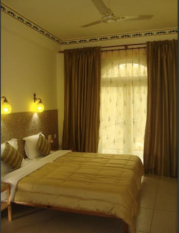 Luxurious Double Room Nr Taj Mahal