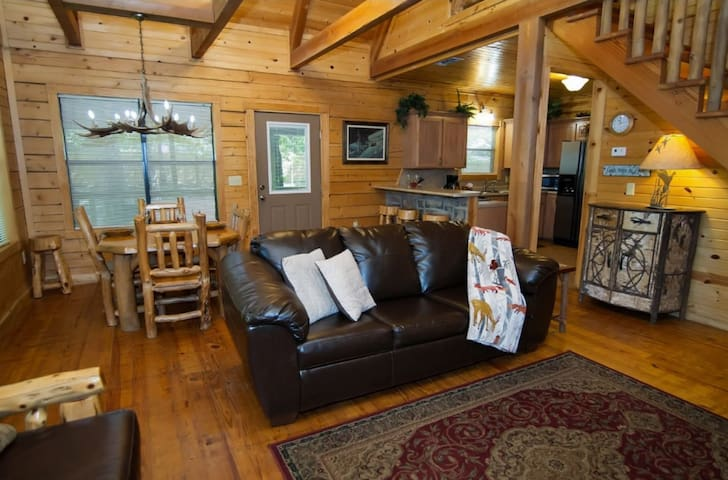 All new Aspen Furniture throughout the cabin