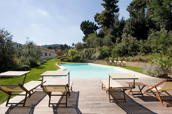 Charming restored country house with pool - Serravalle Pistoiese - Villa