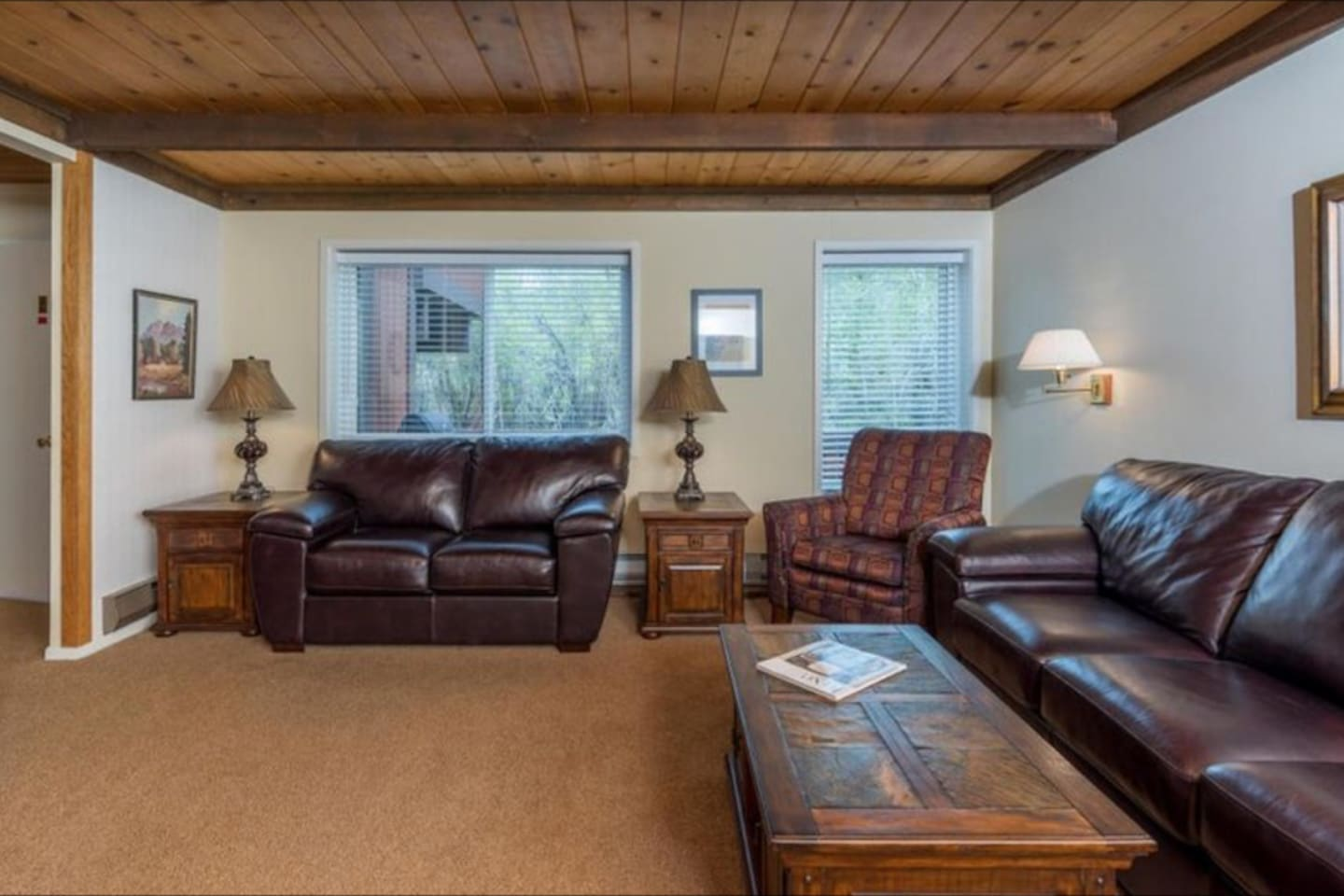 Spacious and comfortable living room for any event. DVD, Roku and cable included. Enjoy lounging around, while  enjoying the view of the creek.