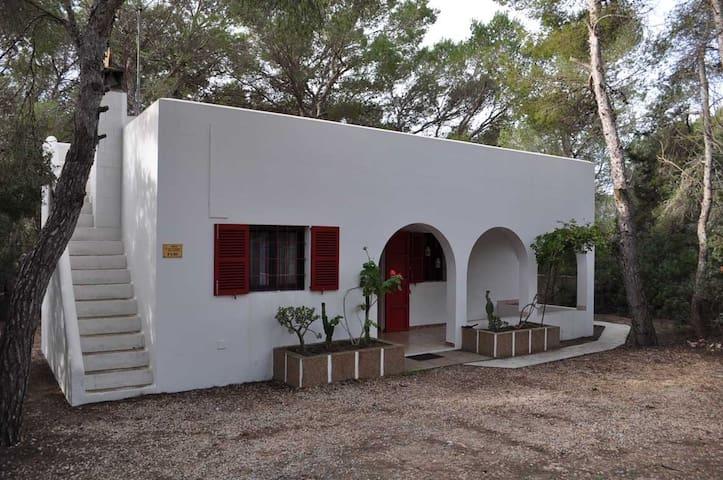 Habitación doble en casa de campo (baño privado) - Es Caló - Dům