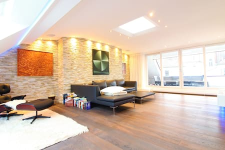 Luxurious Loft in City Center, High-End Interior - Munich