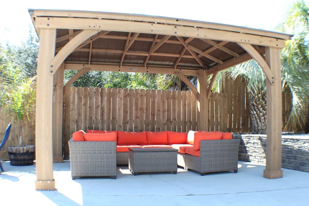Enjoy outdoor living at it's finest at Latitude Adjustment with awesome outdoor seating and a massive bbq!!!