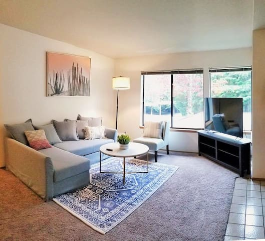 Private and Spacious Urban Garden Condo