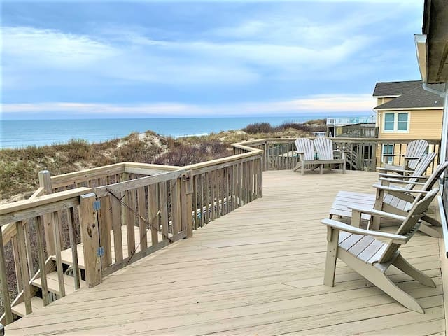 OceanFront! Pets, private pool, hot tub, views!