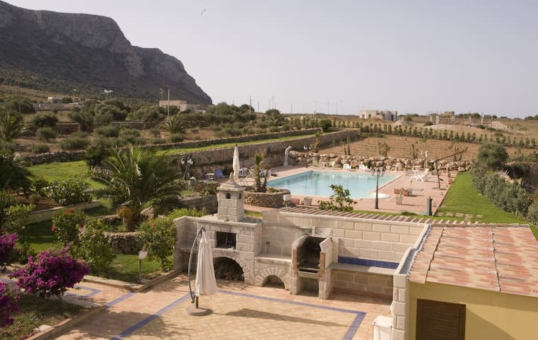 Apartment in villa with pool - Favignana - Appartement