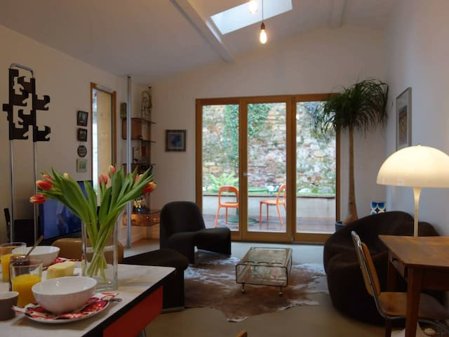 SUPERB HOUSE IN THE HEART OF LYON FOR 4 PEOPLE