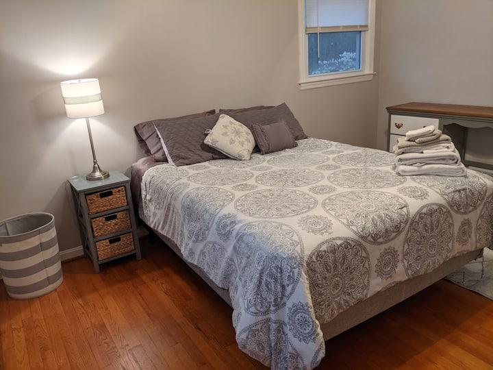 Beautiful Queen bedroom for longer term guests