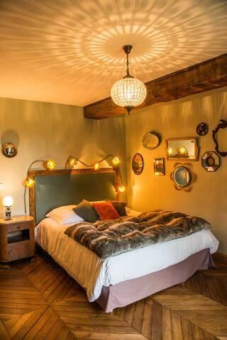 Chambre cooconing et design à la Ferme - Les Molières - Bed & Breakfast
