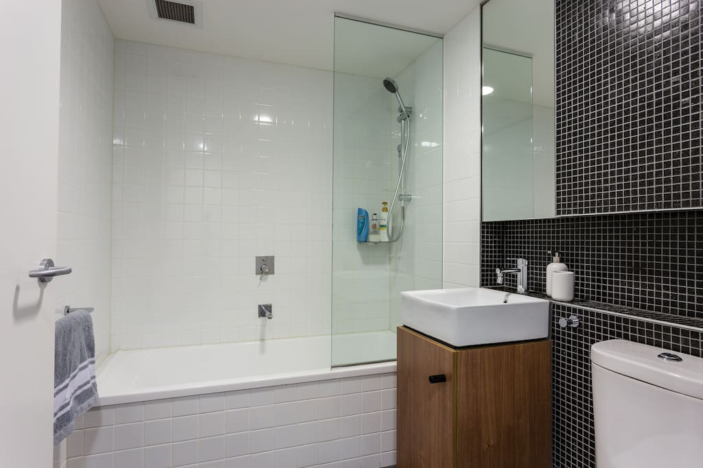 Clean, Contemporary Bathroom - Towels Provided