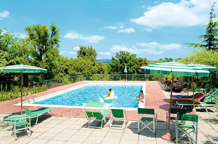 Apartment Residence Il Montaleo for 6 persons