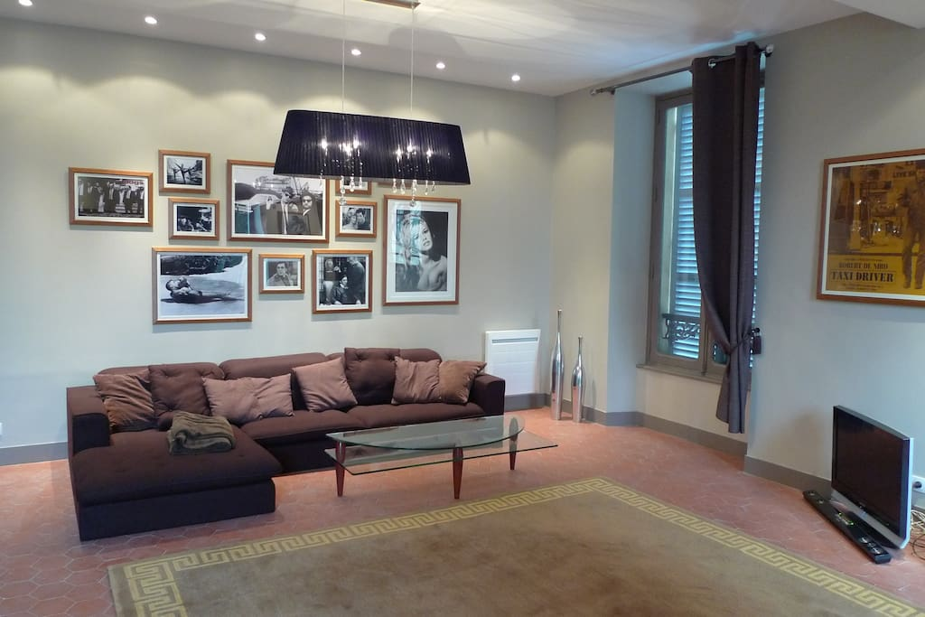 duplex dans un hotel particulier apartments for rent in versailles le de france france. Black Bedroom Furniture Sets. Home Design Ideas