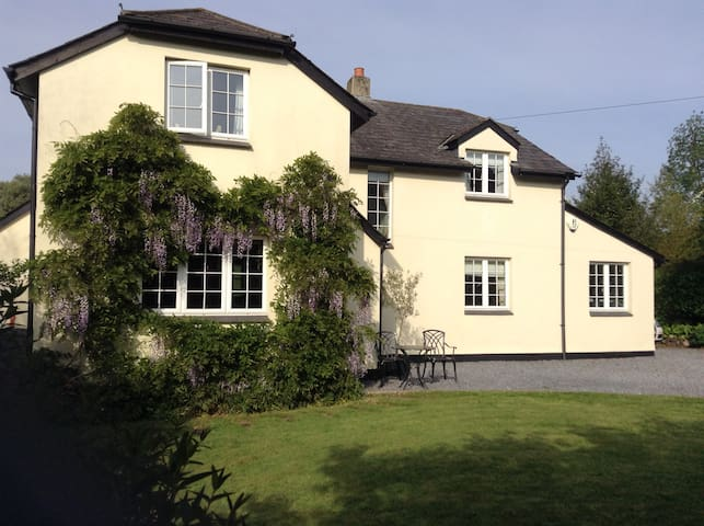 Spacious 5 bedroomed house in Dartmoor - Christow - Hus