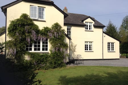 Spacious 5 bedroomed house in Dartmoor - Christow - Дом