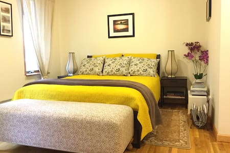 Spacious Sunny 2BR/Prime Greenpoint