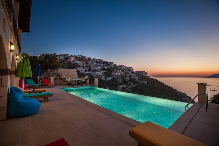 Villa Fleming- A Sea View Paradise