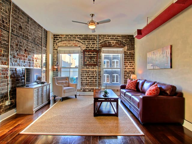 Stylish Loft-Living in the Heart of Downtown Savannah