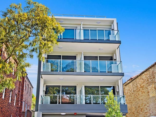BRAND NEW STUDIO - Bondi Beach