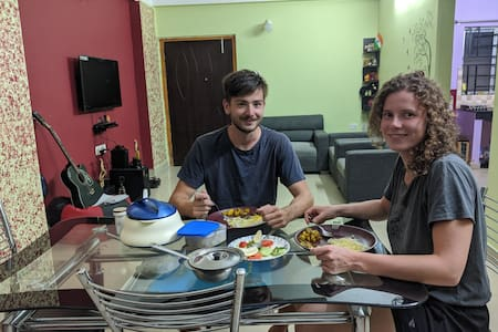 Traveller's Camp +free  breakfast