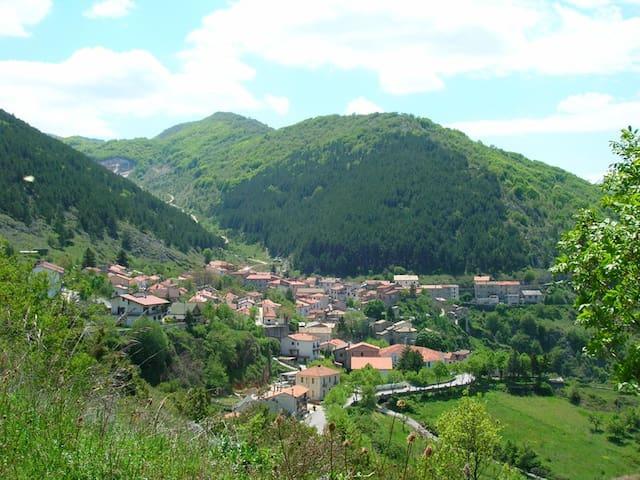 Villa del '600 nel Parco Nazionale d'Abruzzo - San Sebastiano - Villa