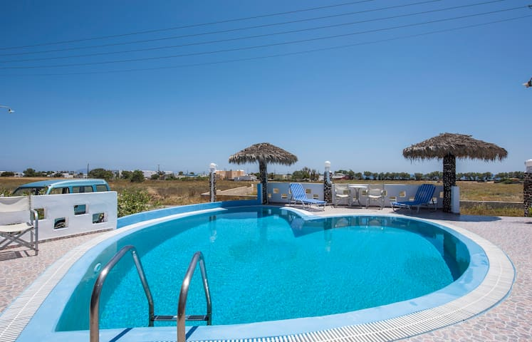 Family Studio with free transfer - Περίσσα - Appartement