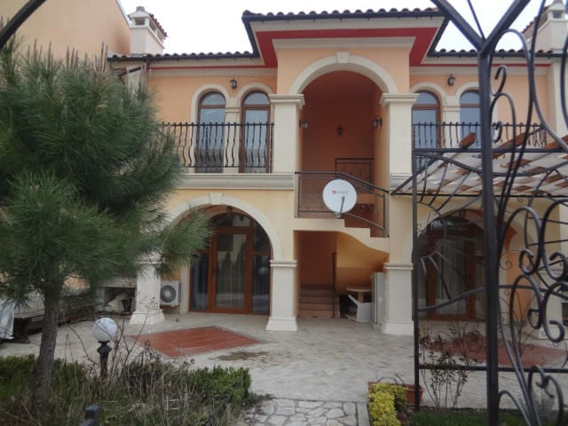 Holiday in Paradise - Elenite - Appartement