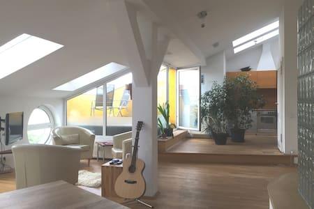 DG Wohnung mit Terrasse, Kreuzberg