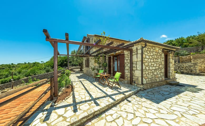 Two-storey Maisonette - Skinaria - House