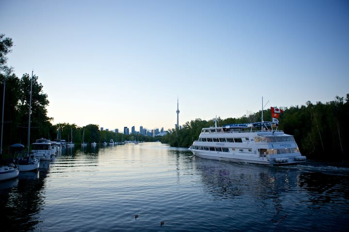 Stay on a boat, on Toronto Island!