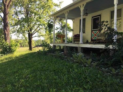 Farm House Living Bright n Roomy