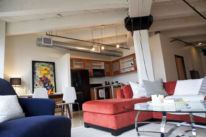 Spacious Loft in Pearl District +Parking