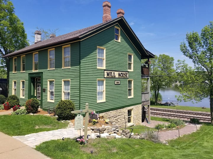 Captain's Quarters - Old Mill House (one bedroom)